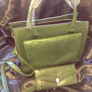 NWT Croc Satchel Crossbody Bag & Free Wallet Green